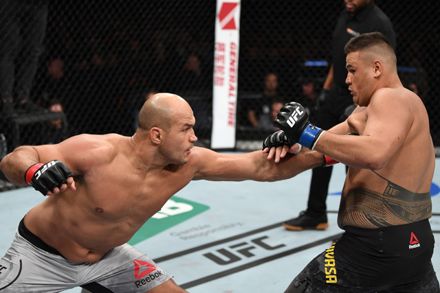 Junior Dos Santos Says It S Time For Alistair Overeem Rematch